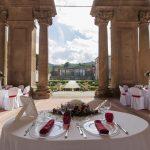 Tavolo degli sposi sotto il Portico del Vasanzio a Villa Mondragone