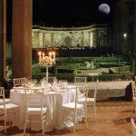 Mise en place sotto il Portico del Vasanzio con vista sul Giardino della Girandola a Villa Mondragone