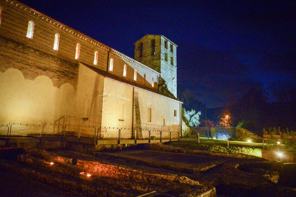 Sant'Andrea in Flumine sorge in un'area con molte testimonianze storiche archelogiche