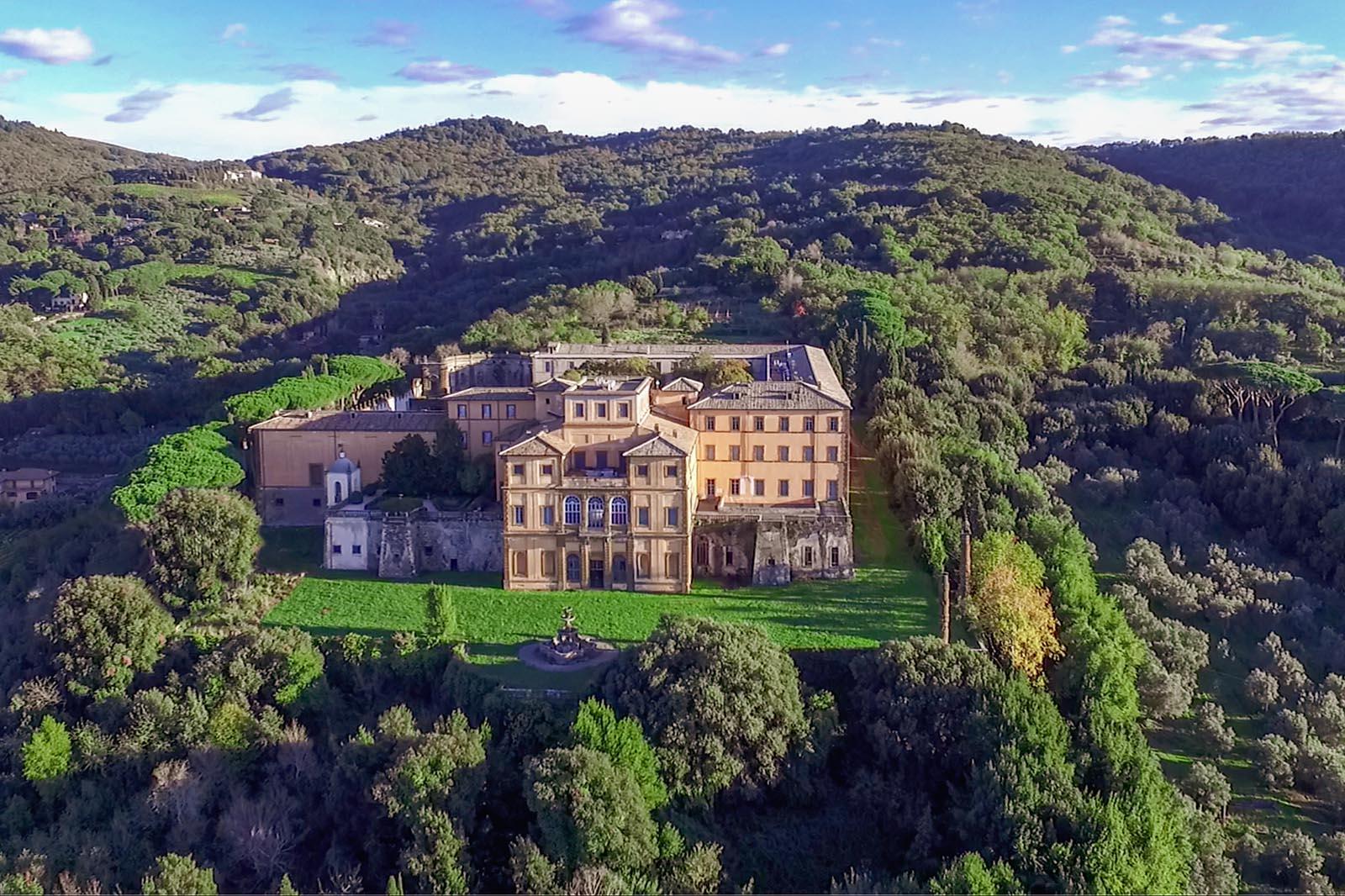 Villa Mondragone - veduta aerea