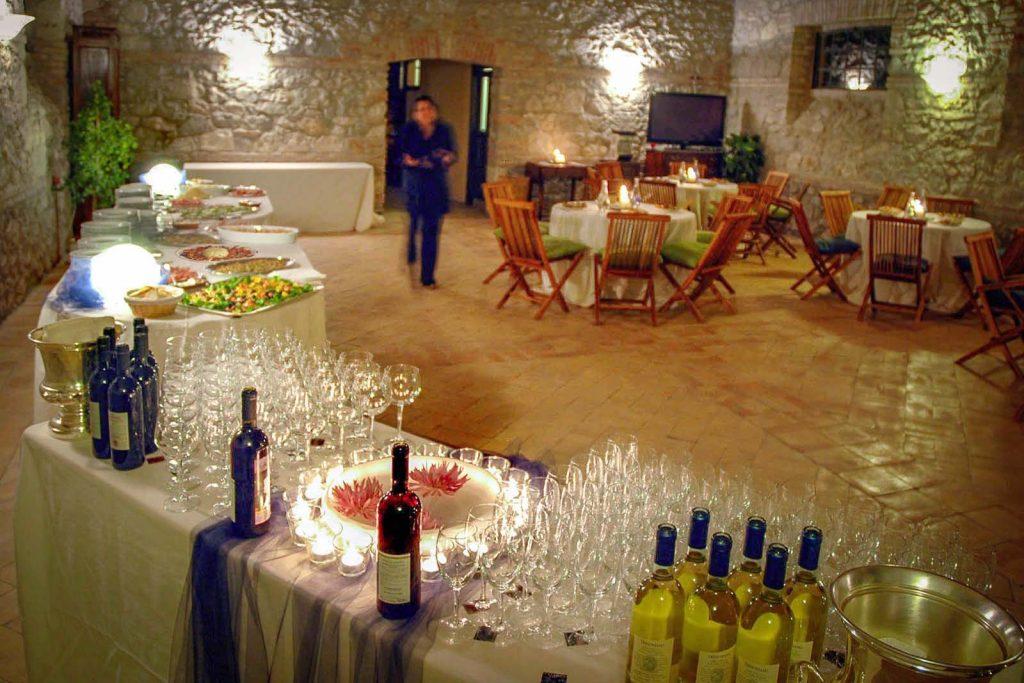 Il buffet del ricevimento attende l'arrivo degli ospiti