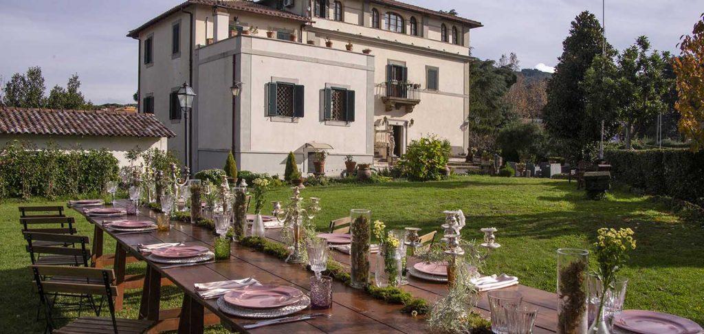 Villa Manart ha un magnifico parco per banchetti nuziali ed eventi conviviali