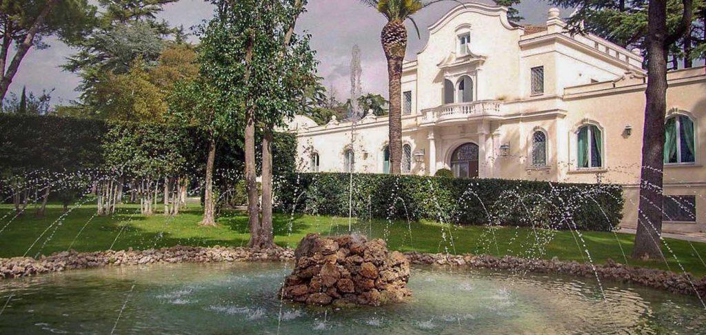 Tenuta Sant'Antonio è una grande villa per eventi privati di ampie dimensioni
